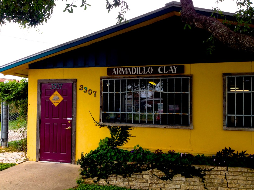 Armadillo Clay-Austin, Texas