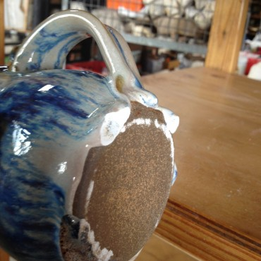 Here is the bottom of that little jug.