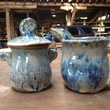 This sugar and creamer set looks ok after alot of grinding!