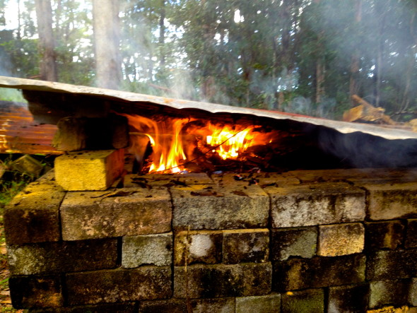 Pit firing step by step instructions marian williams for Step by step fire pit